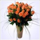 Pugét oranžových růží